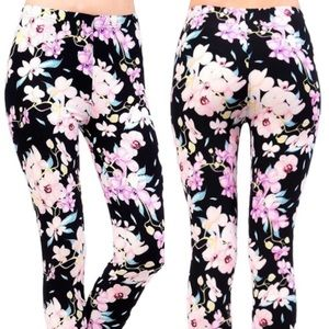 Pants - NWT Buttery Soft Pretty In Pink Floral Leggings OS